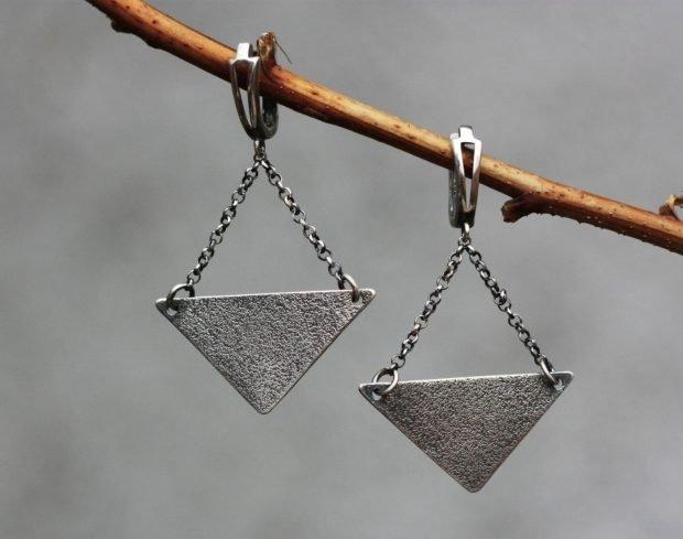 сережки треугольники с цепочкой