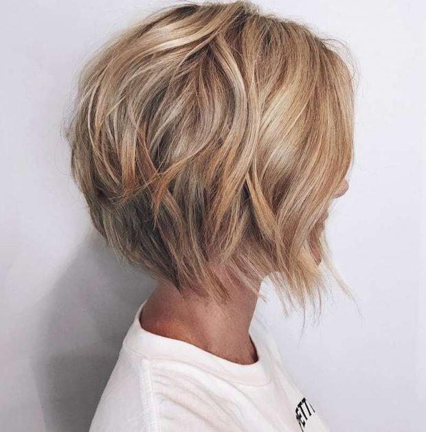женская укладка волос 2019 2020: каре мягкие локоны