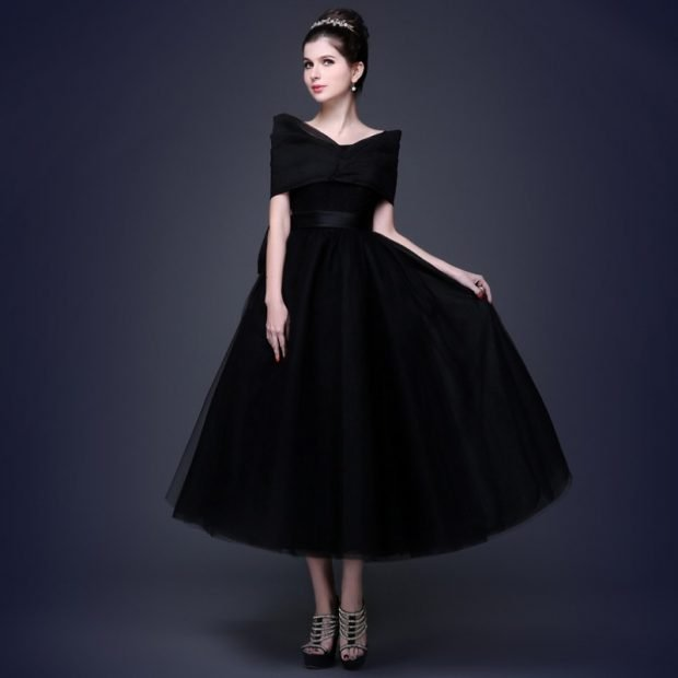 вечерние платья 2019 2020 фото новинки: черное юбка пышная плечи открыты