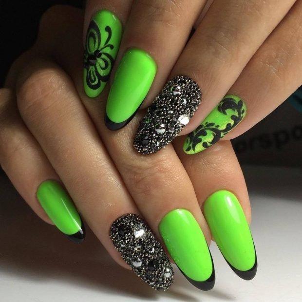 ярко-зеленые ногти с черным
