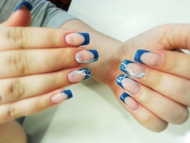 французский маникюр синий