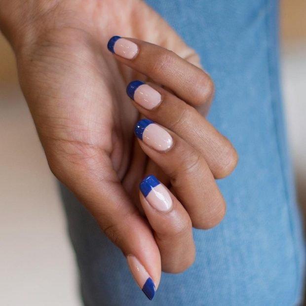 французский маникюр темно-синий