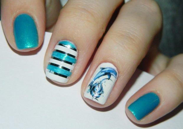 морской голубой с белым зимний