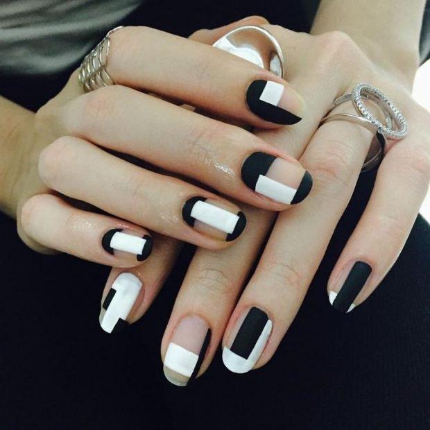 геометрический маникюр черный с белым