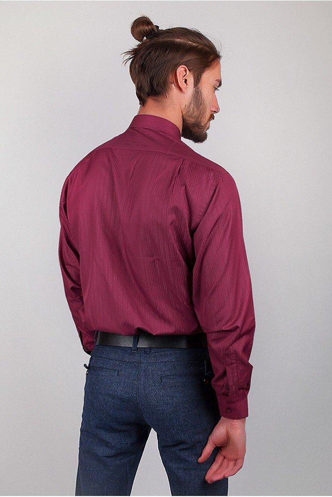рубашка цветом марсала