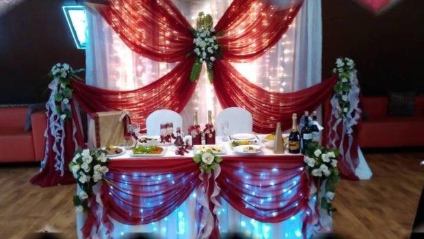Кружевной свадебный декор