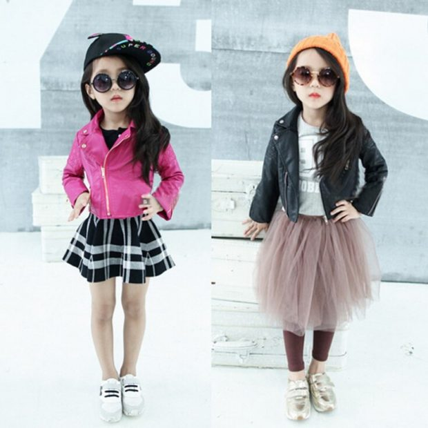 Детская мода 2019 2020: розовая кофта юбка черная в белую полосу пышная