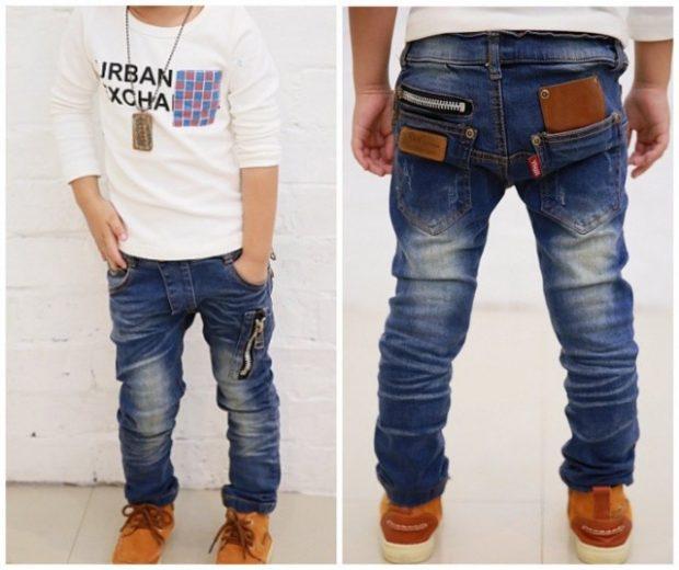 синие потертые детские джинсы