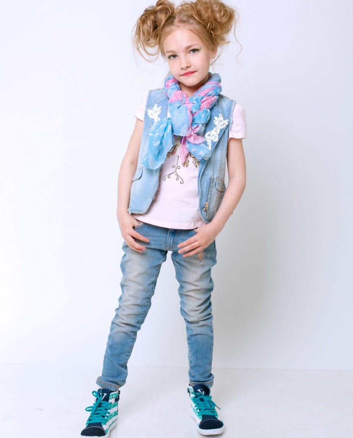детские джинсы синие