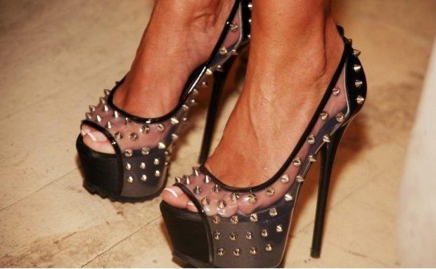 Туфли женские весна лето: на высоком каблуке черные с прозрачным с шипами