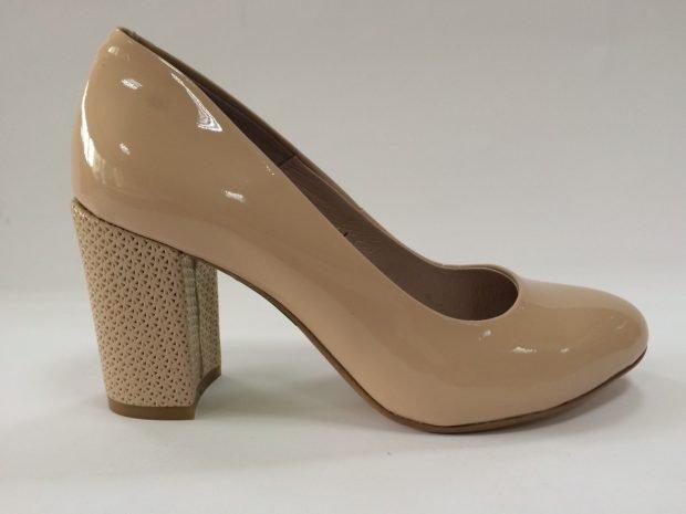 Туфли женские весна лето: на среднем каблуке бежевые лаковые