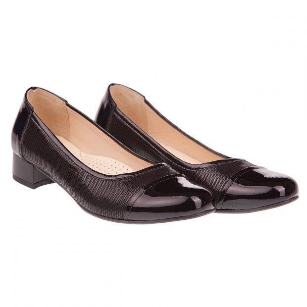 туфли на низком каблуке черные кожаные