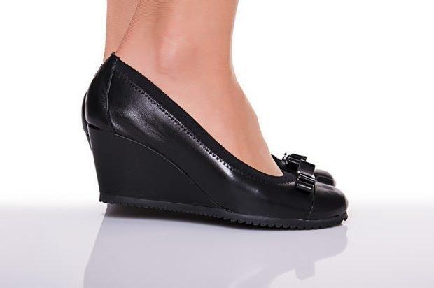 туфли на танкетке черные с бантиком