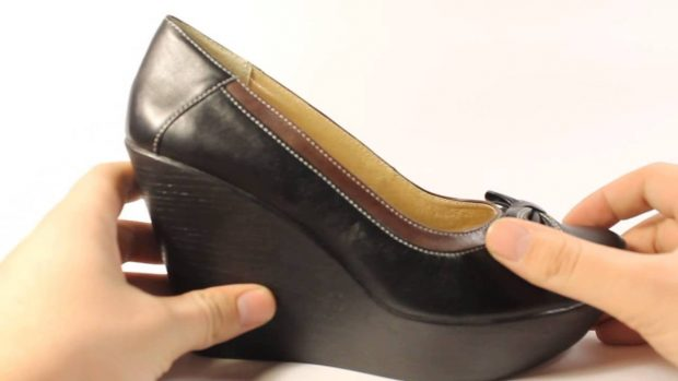 туфли на танкетке черные