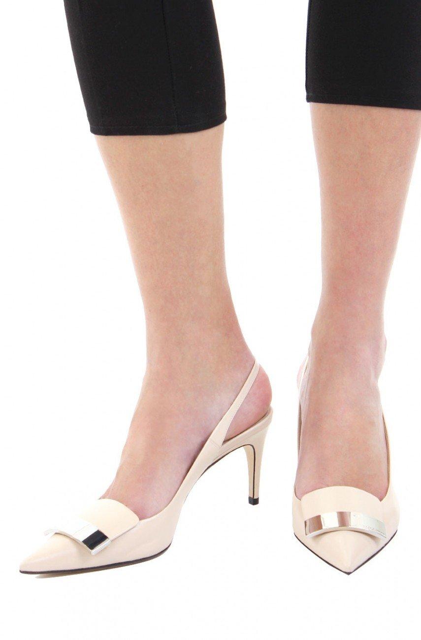 туфли с открытой пяткой белые на невысоком каблуке