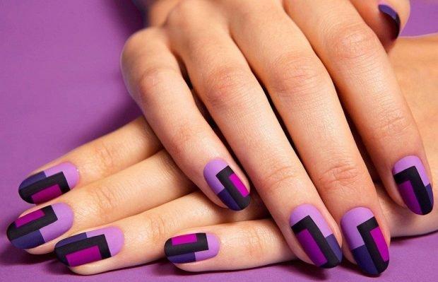 маникюр фиолетовый с бордовым геометрия