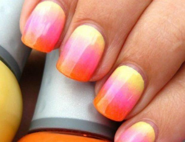 Градиентный маникюр желтый розовый оранжевый