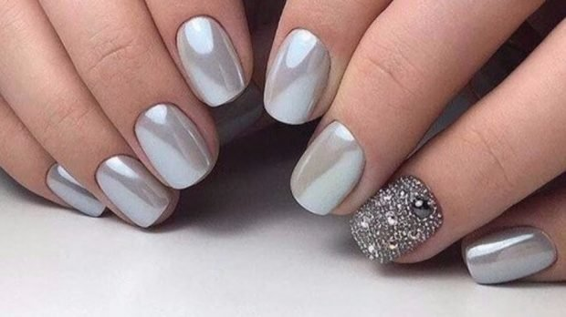 металлический серебро