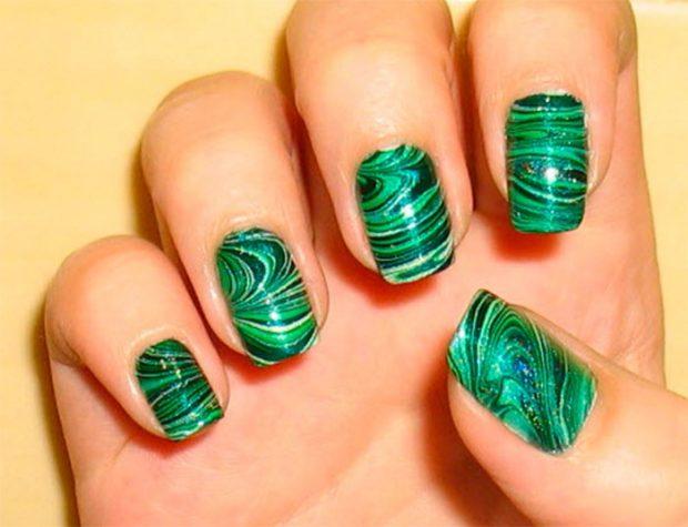 Водный маникюр зеленый