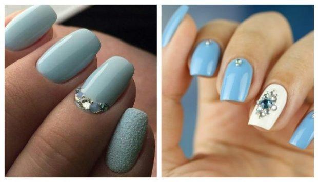маникюр серо-голубой со стразами синий с белым украшен камнями