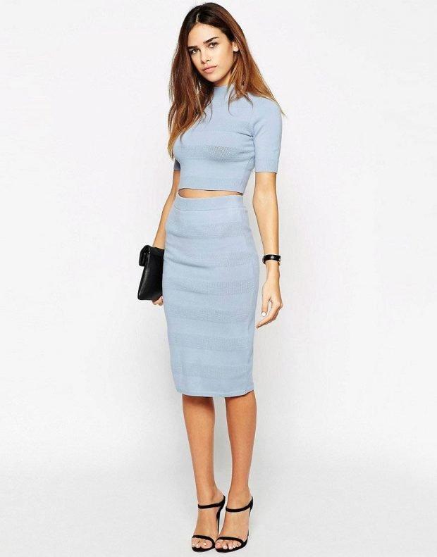 голубая юбка карандаш