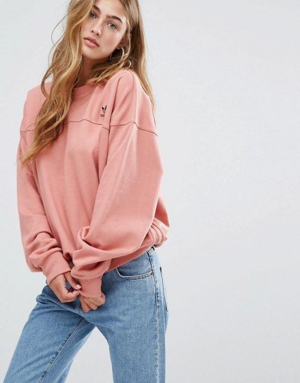 однотонный свитшот розового цвета