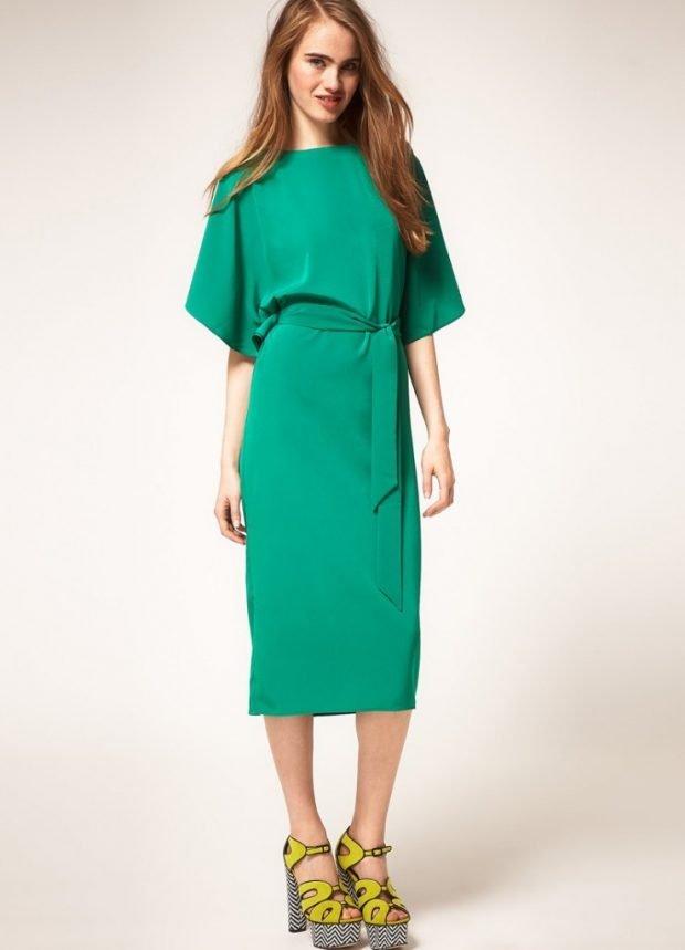 Мода весна лето 2019 для женщин за 30: зеленое платье длина миди под пояс