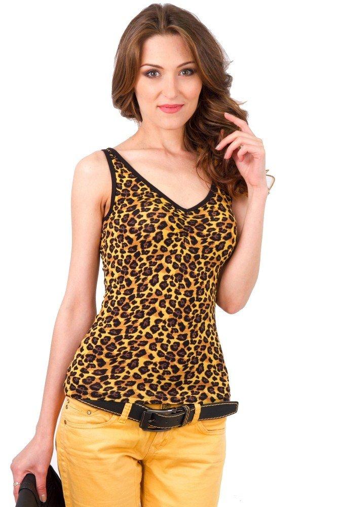 майка леопардовая под желтые штаны