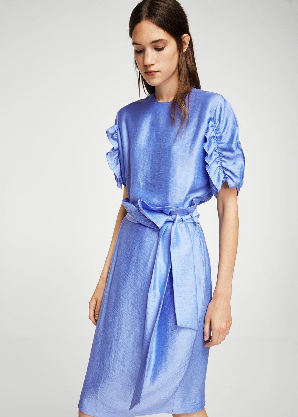 синее платье со сборками на рукавах с поясом