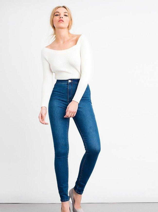 джинсы классика под белую кофту