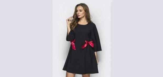 черное платье с бантиками