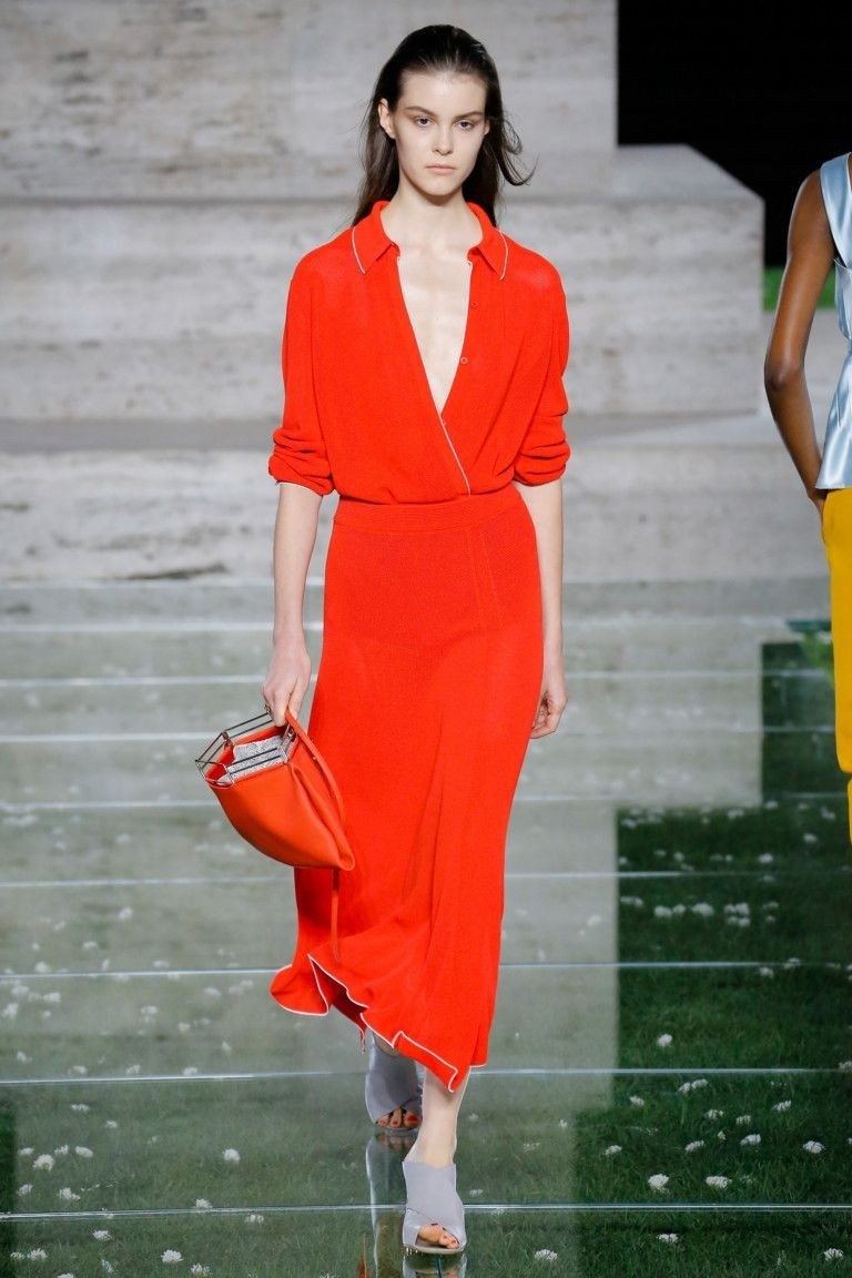 ярко-красное платье длина миди