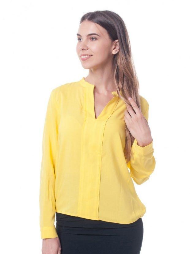 желтая яркая блузка