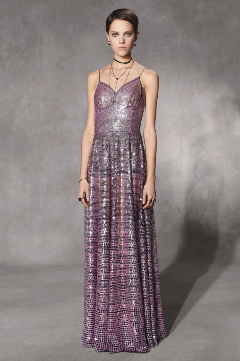 платье нежно-фиолетовое длина макси