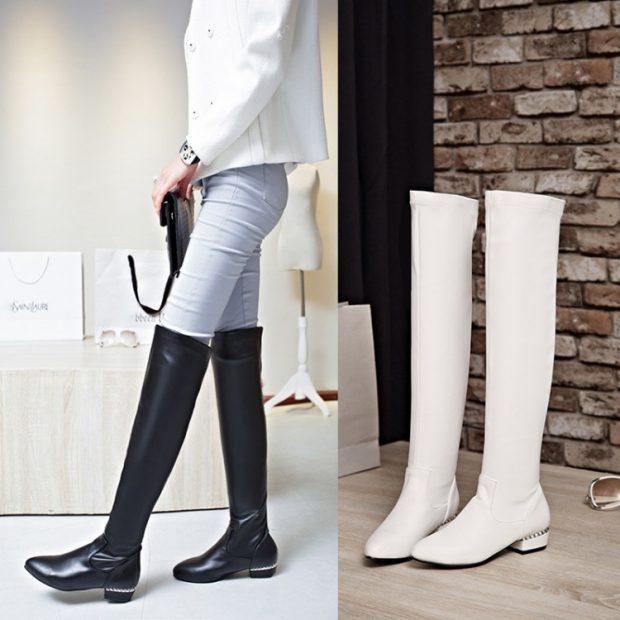 ботфорты черные белые на низком каблуке