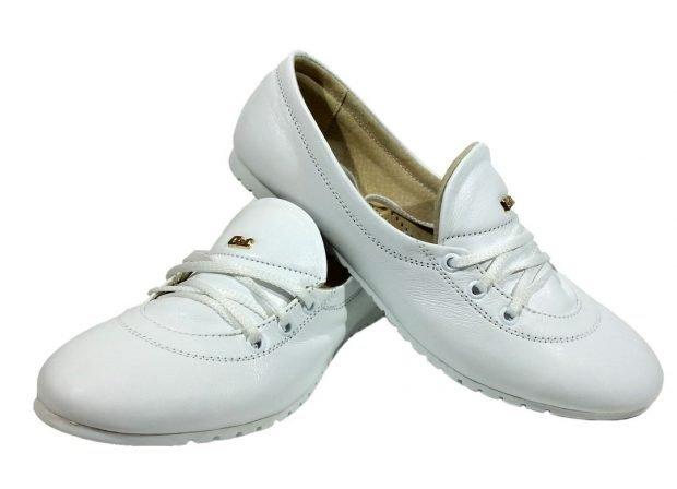 мокасины белые на шнурках