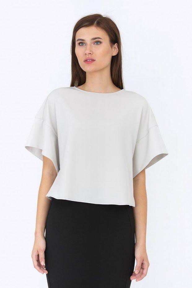 Блузка свободного кроя белая рукав короткий