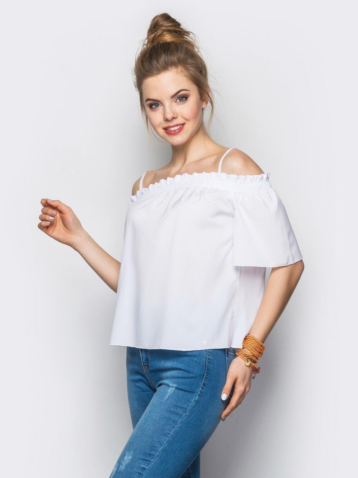 Блузка с открытыми плечами белая рукав короткий