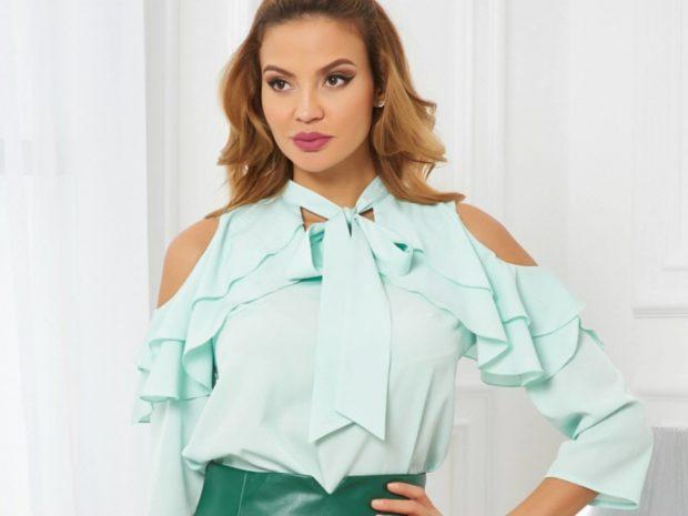 блузка с рюшками открытые плечи