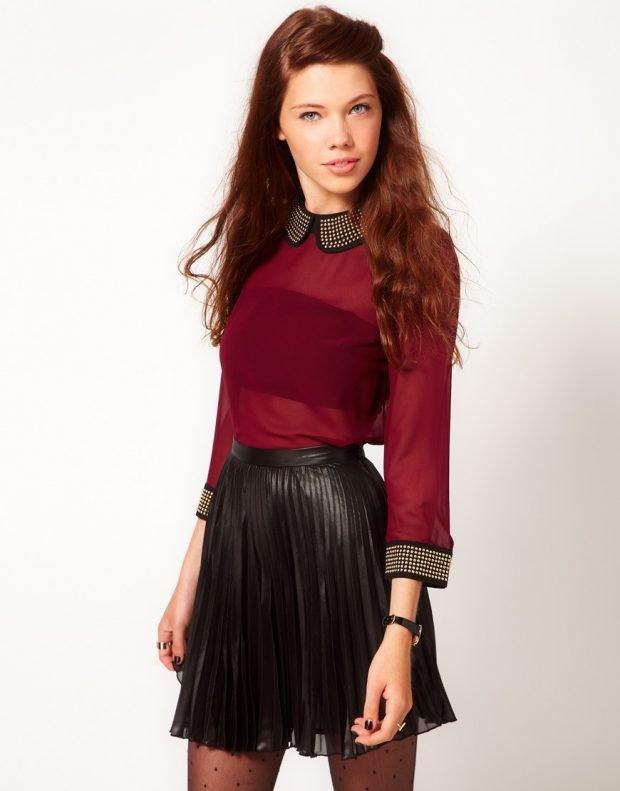 блузка бордовая воротник черный со стразами