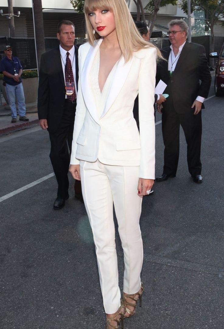 классические брюки белые