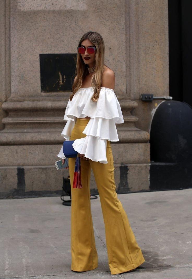брюки расклешенные желтые