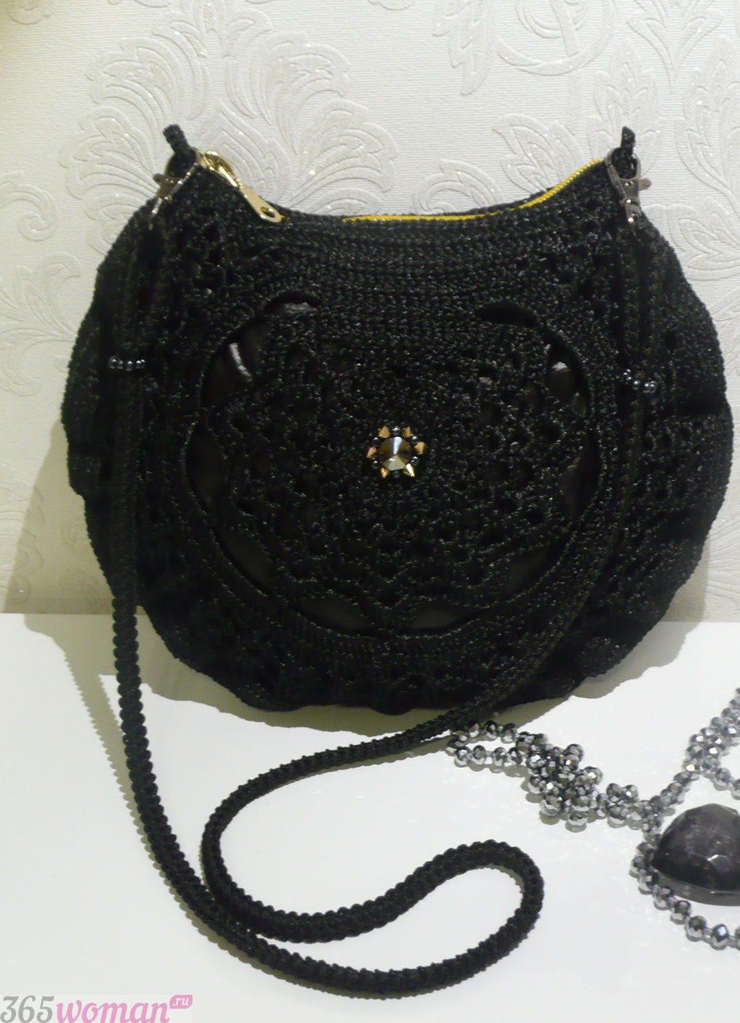 маленькая сумочка черная вязаная