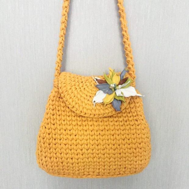 сумка вязаная желтая на длинном ремешке