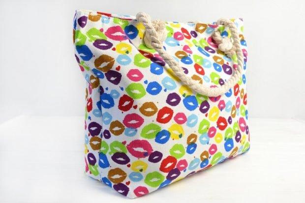 пляжная сумка яркая в цветные губы