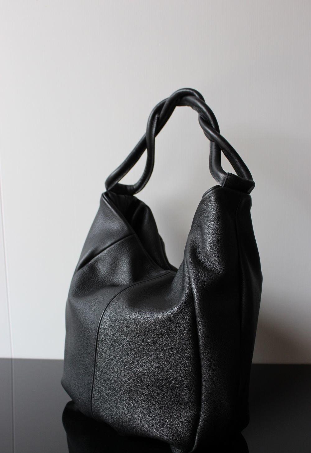 сумка хобо черная кожаная