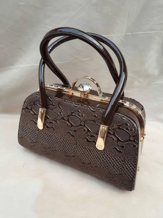 сумка каркасная маленькая черная с золотом