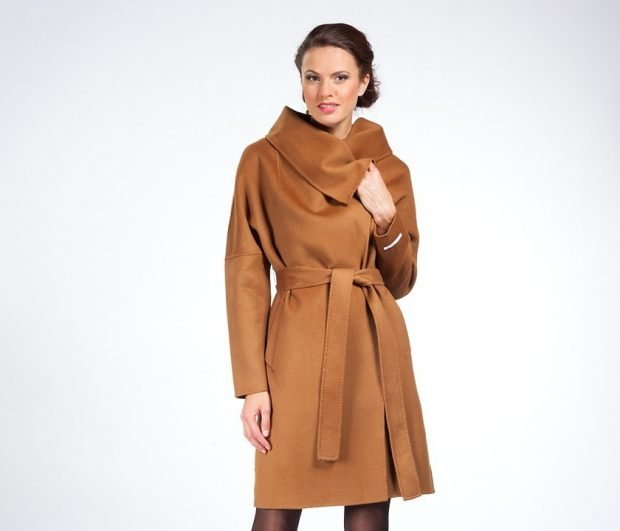 пальто коричневое классика с поясом