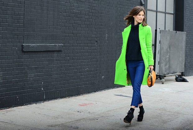 пальто ярко-зеленое классика