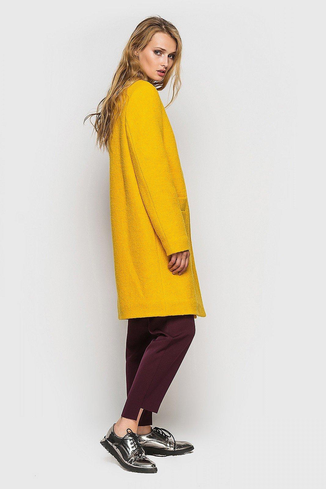 пальто желтое прямое